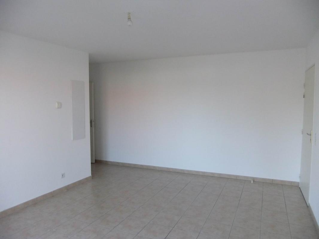 Rez de chaussée 45 m2 occupé